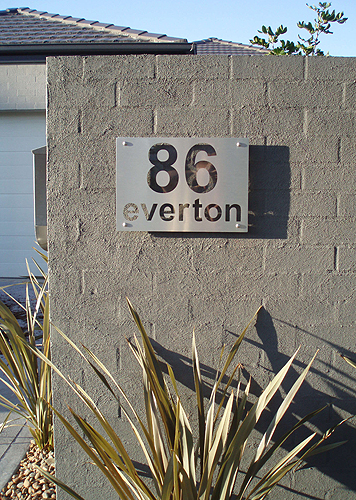 86 everton 400mm x 300mm brushed aluminium plate mirror aluminium highlight