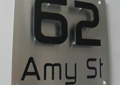 Amy St 300 x 300 3D - Cut In A
