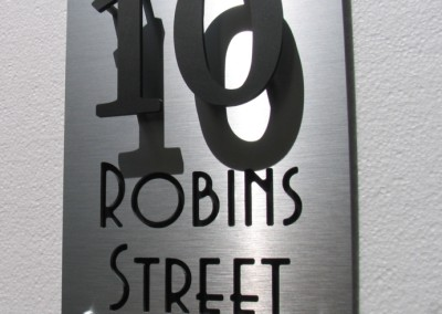 Robins Street 200mm x 300mm Byington - Avenida fonts A