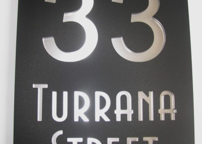 Turrana St 300 x 400 Matt Black with mirror