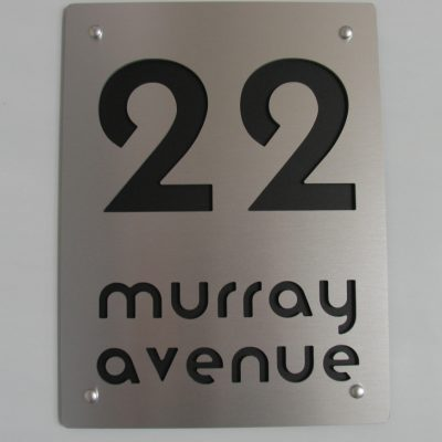 murray ave 300 x 400mm Moderna font A