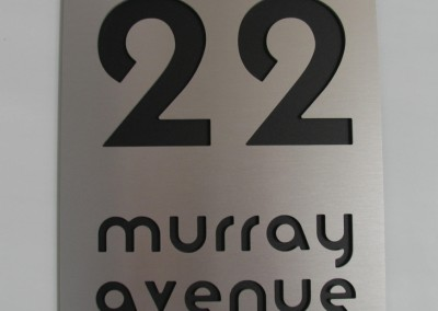 murray ave 300 x 400mm Moderna font